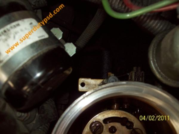 Fuel filter drain in closed position